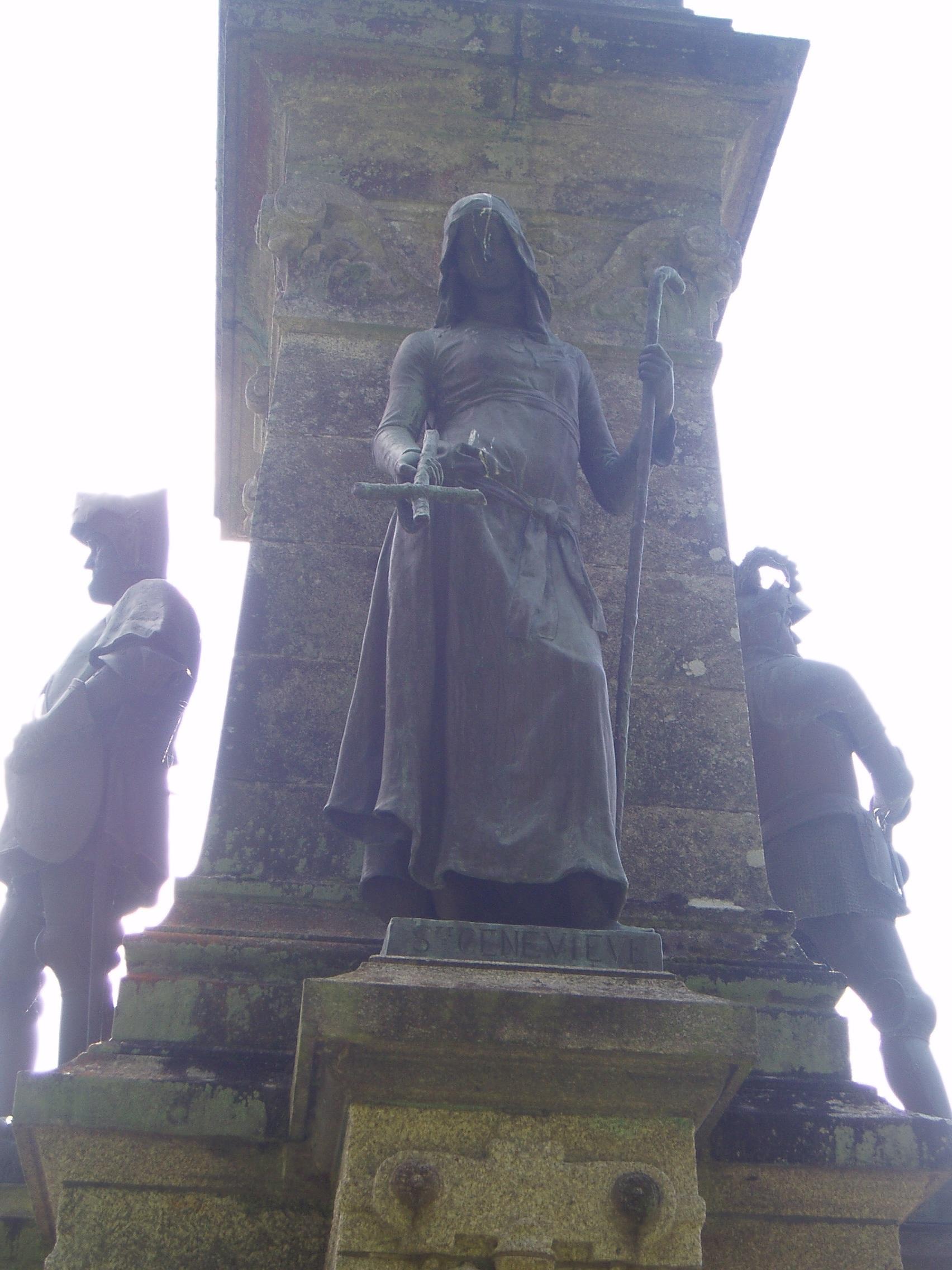 Mémorial du comte de Chambord : Sainte Geneviève